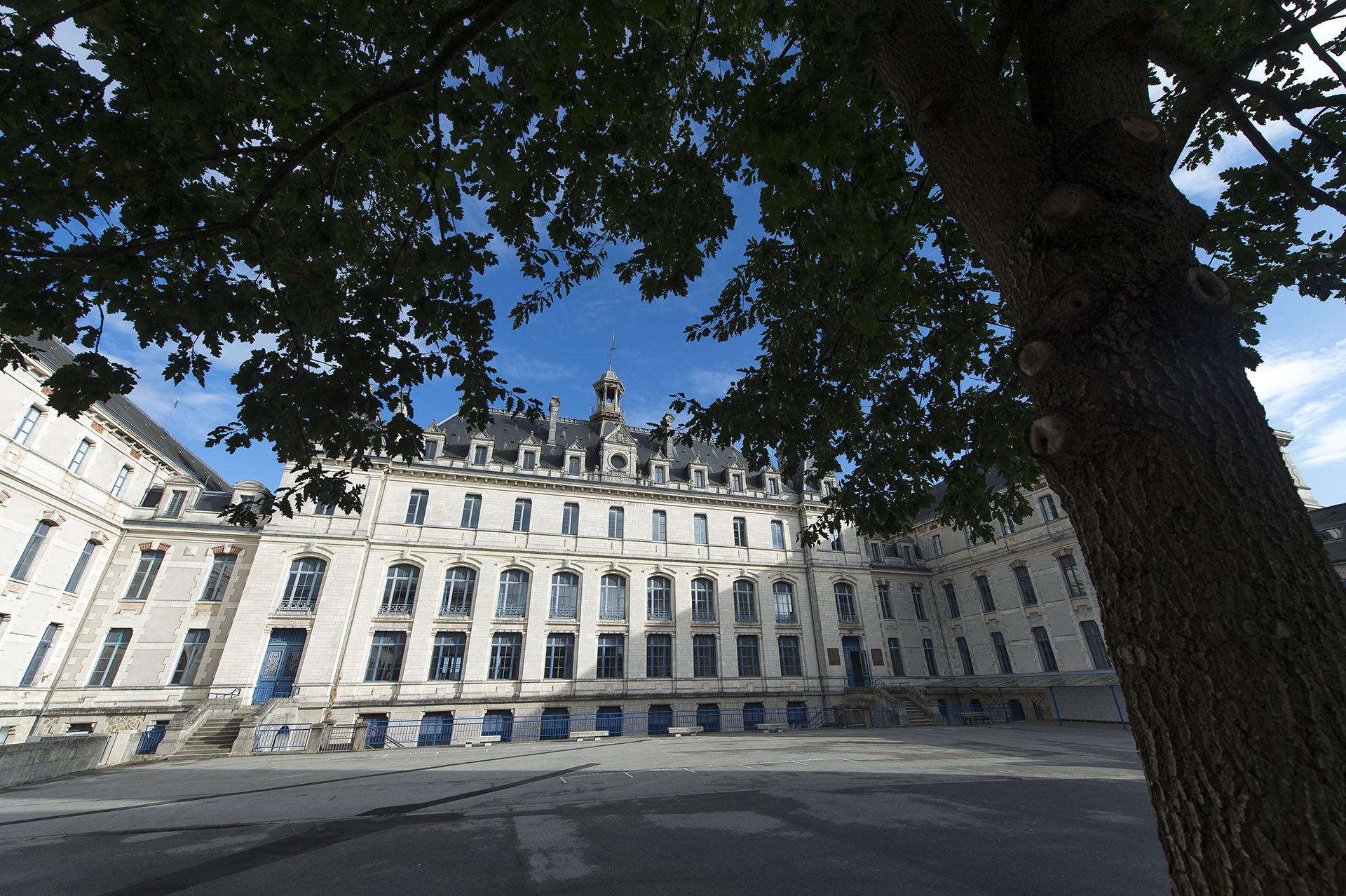 Vannes Ecoles Publiques Française Bilingues Francais/Breton