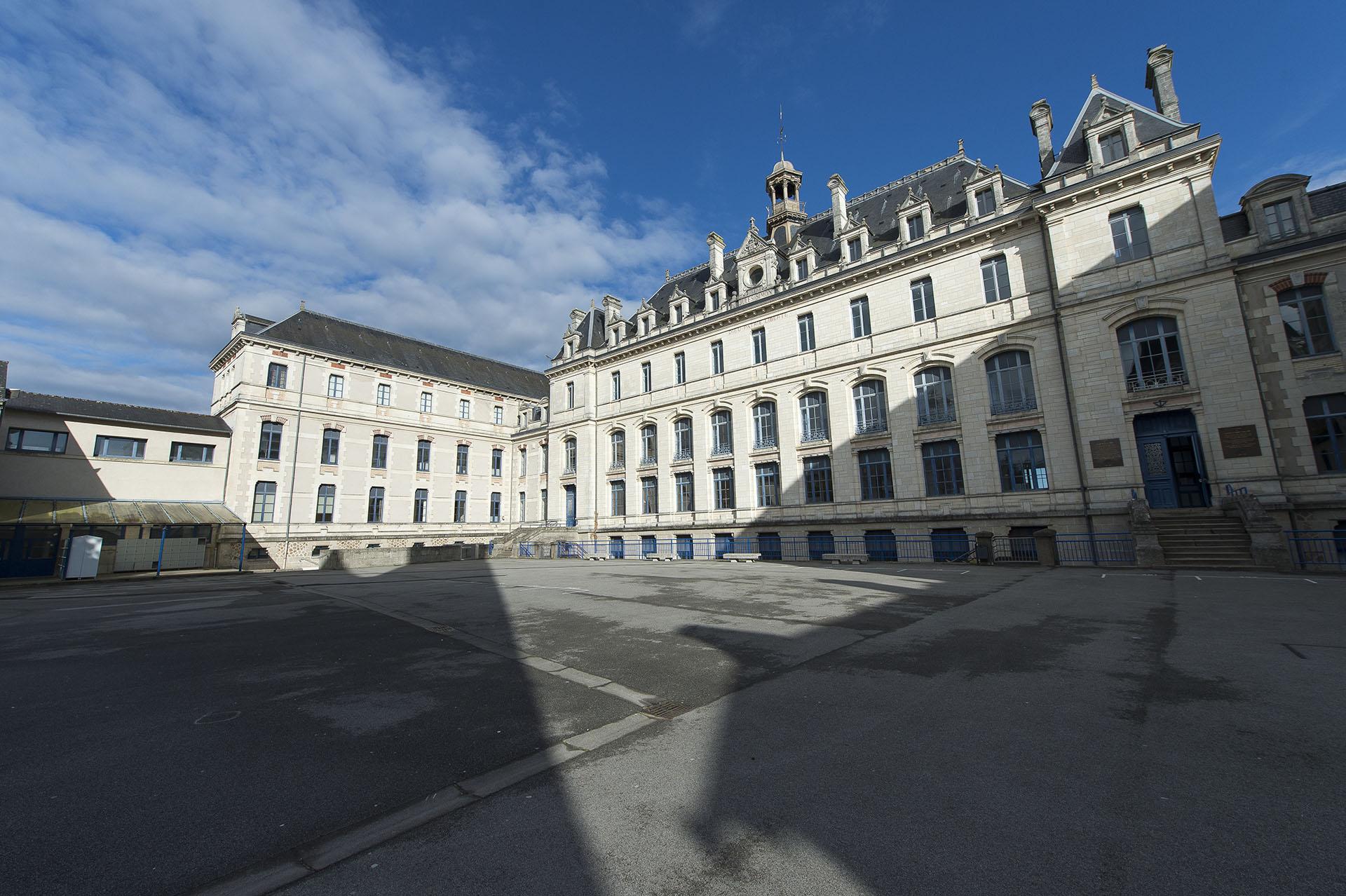 Collège Jules Simon Collège Jules Simon Vannes